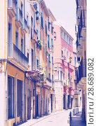 Купить «narrow street of european city», фото № 28689082, снято 12 июня 2014 г. (c) Яков Филимонов / Фотобанк Лори