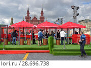 Купить «2018 FIFA World Cup Russia Football Park opened on Red Square in Moscow. It is cloudy», фото № 28696738, снято 5 июля 2018 г. (c) Валерия Попова / Фотобанк Лори