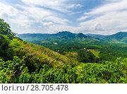Купить «Живописный вид с горы на поля, джунгли и и долину Краби, Таиланд», фото № 28705478, снято 17 февраля 2013 г. (c) Игорь Рожков / Фотобанк Лори