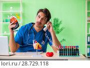 Купить «Doctor doing blood analysis in the lab», фото № 28729118, снято 21 мая 2018 г. (c) Elnur / Фотобанк Лори