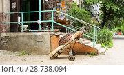 Купить «Замена канализационных  стояков в доме Липецк», фото № 28738094, снято 12 июля 2018 г. (c) Евгений Будюкин / Фотобанк Лори