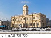 Купить «Здание Ленинградского вокзала в городе Москве», фото № 28738730, снято 3 марта 2018 г. (c) Николай Мухорин / Фотобанк Лори