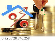 Символ процента на фоне недвижимости и денег. Стоковое фото, фотограф Сергеев Валерий / Фотобанк Лори