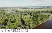 Купить «Panoramic view of gulf meadows at the river Klyazma River, Russia», видеоролик № 28751142, снято 28 июня 2018 г. (c) Яков Филимонов / Фотобанк Лори