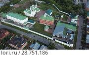 Купить «View from drones of Spaso-Preobrazhensky monastery in Murom», видеоролик № 28751186, снято 27 июня 2018 г. (c) Яков Филимонов / Фотобанк Лори