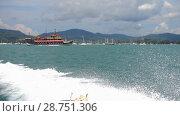 Купить «Speedboat departure from Chalong Bay, Phuket», видеоролик № 28751306, снято 9 июля 2018 г. (c) Игорь Жоров / Фотобанк Лори