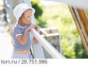 Купить «Portrait of a four year old girl», фото № 28751986, снято 4 июля 2018 г. (c) Типляшина Евгения / Фотобанк Лори