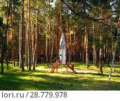Купить «Модель ракеты, установленная на территории детского лагеря отдыха», фото № 28779978, снято 27 апреля 2008 г. (c) Светлана Кириллова / Фотобанк Лори