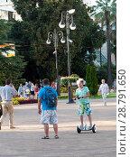 Купить «Мальчик на гироскутере», фото № 28791650, снято 19 июля 2018 г. (c) Игорь Р / Фотобанк Лори