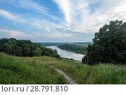 Летний пейзаж с видом на реку Оку в районе усадьбы Поленово (2018 год). Стоковое фото, фотограф Игорь Низов / Фотобанк Лори