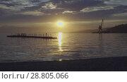 Купить «Красивый закат над морем в порту», видеоролик № 28805066, снято 22 июля 2018 г. (c) А. А. Пирагис / Фотобанк Лори