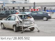 Купить «car accident on street, damaged automobiles after collision in city», фото № 28805502, снято 5 апреля 2018 г. (c) Дмитрий Калиновский / Фотобанк Лори
