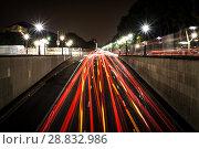 Купить «Red and white lines of car's lights», фото № 28832986, снято 5 сентября 2014 г. (c) Сурикова Ирина / Фотобанк Лори