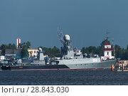 Купить «Малый противолодочный корабль Уренгой в Кронштадте готовится к параду на День ВМФ», фото № 28843030, снято 28 июля 2018 г. (c) Stockphoto / Фотобанк Лори