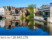 Купить «Красивая средневековая архитектура домов в фламандском стиле. Гент. Бельгия», фото № 28843278, снято 6 мая 2018 г. (c) Сергей Афанасьев / Фотобанк Лори