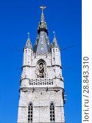 Купить «Башня Беффруа, на пощади Sint-Baafsplein с флюгером на шпиле в виде статуи дракона. Гент. Бельгия», фото № 28843310, снято 6 мая 2018 г. (c) Сергей Афанасьев / Фотобанк Лори