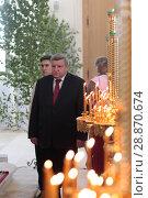 Купить «Праздничная литургия в Свято-Духовом храме села Шкинь, подмосковье», эксклюзивное фото № 28870674, снято 28 мая 2018 г. (c) Дмитрий Неумоин / Фотобанк Лори