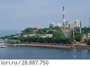 Владивосток, Спортивная набережная со стороны моря летом (2018 год). Редакционное фото, фотограф Овчинникова Ирина / Фотобанк Лори