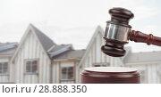 Купить «Gavel and houses on building construction site auction», фото № 28888350, снято 18 сентября 2019 г. (c) Wavebreak Media / Фотобанк Лори