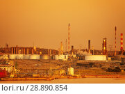 Купить «Port de Bouc petrochemical plant during sunset», фото № 28890854, снято 20 июля 2017 г. (c) Сергей Новиков / Фотобанк Лори