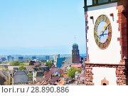 Freiburg cityscape with Schwabentor clock tower (2017 год). Стоковое фото, фотограф Сергей Новиков / Фотобанк Лори