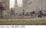 Купить «View of GUM, Red square, Kremlin tower, State Historical museum from Nikolskaya», видеоролик № 28891370, снято 25 июля 2018 г. (c) Ирина Мойсеева / Фотобанк Лори