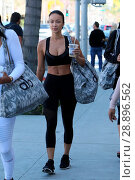 Draya Michele seen out in Beverly Hills with friends after shopping... (2017 год). Редакционное фото, фотограф Michael Wright / WENN.com / age Fotostock / Фотобанк Лори