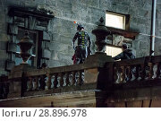 Купить «Film crew and stuntmen prepare for the filming of the upcoming movie 'Avengers: Infinity War' on the Royal Mile in Edinburgh Featuring: Stuntman Where...», фото № 28896978, снято 31 марта 2017 г. (c) age Fotostock / Фотобанк Лори