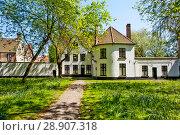 Купить «Монастырь бегинок. Брюгге. Бельгия», фото № 28907318, снято 6 мая 2018 г. (c) Сергей Афанасьев / Фотобанк Лори