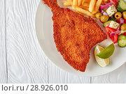 Купить «fried flounder with potato and salad», фото № 28926010, снято 30 июля 2018 г. (c) Oksana Zh / Фотобанк Лори