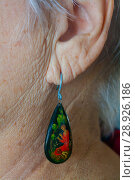 Купить «Серьга в ухе пожилой женщины. Палехская миниатюра», эксклюзивное фото № 28926186, снято 20 ноября 2016 г. (c) Наталья Федорова / Фотобанк Лори