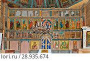 Купить «Россия, Карелия, Кондопога, Церковь Успения Пресвятой Богородицы на Онежском озере. Иконостас храма», эксклюзивное фото № 28935674, снято 8 июля 2015 г. (c) Александр Циликин / Фотобанк Лори