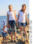 Купить «Children bathe in the sea», фото № 28937126, снято 7 июля 2018 г. (c) Типляшина Евгения / Фотобанк Лори