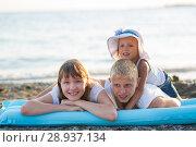 Купить «Children bathe in the sea», фото № 28937134, снято 7 июля 2018 г. (c) Типляшина Евгения / Фотобанк Лори