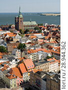 Stralsund, Germany, view from the tower of the St. Marienkirche over the city (2007 год). Редакционное фото, агентство Caro Photoagency / Фотобанк Лори