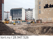 Berlin, Germany, building plot next to the E-Werk in the Zimmerstrasse in Berlin-Mitte (2017 год). Редакционное фото, агентство Caro Photoagency / Фотобанк Лори