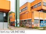 Купить «Berlin, Germany, ruin of the Diesterweg Gymnasium in the Swinemuender Strasse in Berlin-Gesundbrunnen», фото № 28947882, снято 9 июля 2017 г. (c) Caro Photoagency / Фотобанк Лори