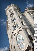 Купить «Москва, фрагмент дома №11 на Мясницкой», фото № 28973486, снято 23 июня 2018 г. (c) Дмитрий Неумоин / Фотобанк Лори