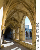 Купить «Inner court of Cathedral of Saints Nazaire, Beziers», фото № 28976302, снято 1 декабря 2017 г. (c) Яков Филимонов / Фотобанк Лори