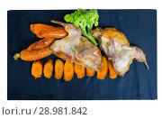 Купить «Teriyaki partridge with grilled carrots», фото № 28981842, снято 22 марта 2019 г. (c) Яков Филимонов / Фотобанк Лори