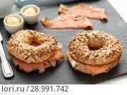 Купить «Salmon bagel sandwich», фото № 28991742, снято 4 июля 2018 г. (c) Stockphoto / Фотобанк Лори