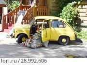 Машина дома кукол (2018 год). Редакционное фото, фотограф Борис Плеханов / Фотобанк Лори