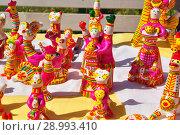 Купить «Ярмарка, филимоновская игрушка», фото № 28993410, снято 25 августа 2018 г. (c) Лариса Вишневская / Фотобанк Лори