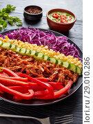 Купить «Bbq pulled pork salad, top view», фото № 29010286, снято 7 августа 2018 г. (c) Oksana Zh / Фотобанк Лори