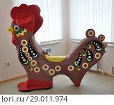 Купить «Дымковская игрушка. Петух большой.», фото № 29011974, снято 20 июля 2018 г. (c) Ирина Быстрова / Фотобанк Лори