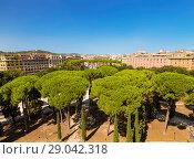 Купить «Вид на Рим со смотровой площадки замка Святого Ангела. Рим, Италия», фото № 29042318, снято 13 сентября 2017 г. (c) Наталья Волкова / Фотобанк Лори
