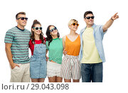 Купить «friends in sunglasses over white background», фото № 29043098, снято 30 июня 2018 г. (c) Syda Productions / Фотобанк Лори