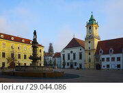 Купить «Historical center of Bratislava with Main Square», фото № 29044086, снято 4 ноября 2017 г. (c) Яков Филимонов / Фотобанк Лори