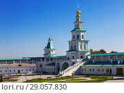 Купить «Resurrection New Jerusalem Monastery. The Holy Gates with the Gate Church and the Damascus tower. Istra, Moscow region, Russia», фото № 29057830, снято 27 августа 2018 г. (c) Наталья Волкова / Фотобанк Лори