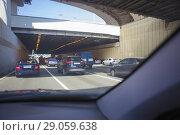 Traffic in the big city. Стоковое фото, фотограф Юрий Бизгаймер / Фотобанк Лори